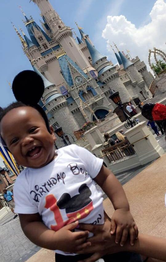 5 Tips for Breastfeeding Moms at Disney World